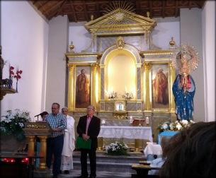 El Sr. Alcalde Don José Carlos Moreno Díaz leyendo el acta de hermanamiento.